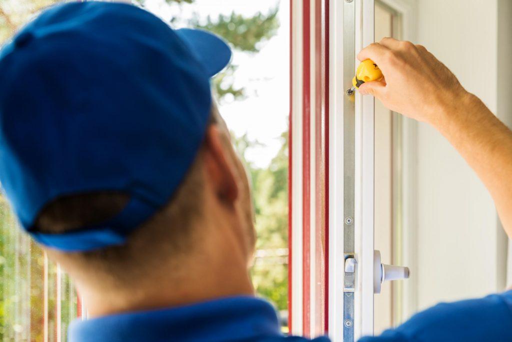 installing the glass window